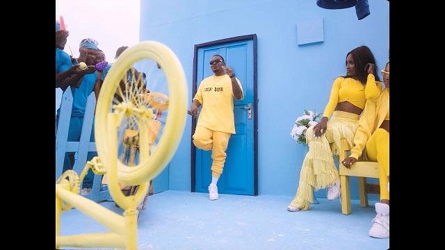VIDEO: Olamide – Greenlight